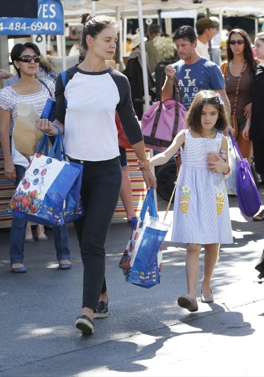 Katie Holmes & Suri Cruise Visit the Farmer's Market