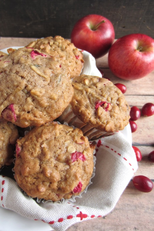 Cranberry Apple Oatmeal Muffins | Celeb Baby Laundry