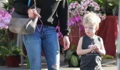 Hilary & Haylie Duff Take Luca Shopping