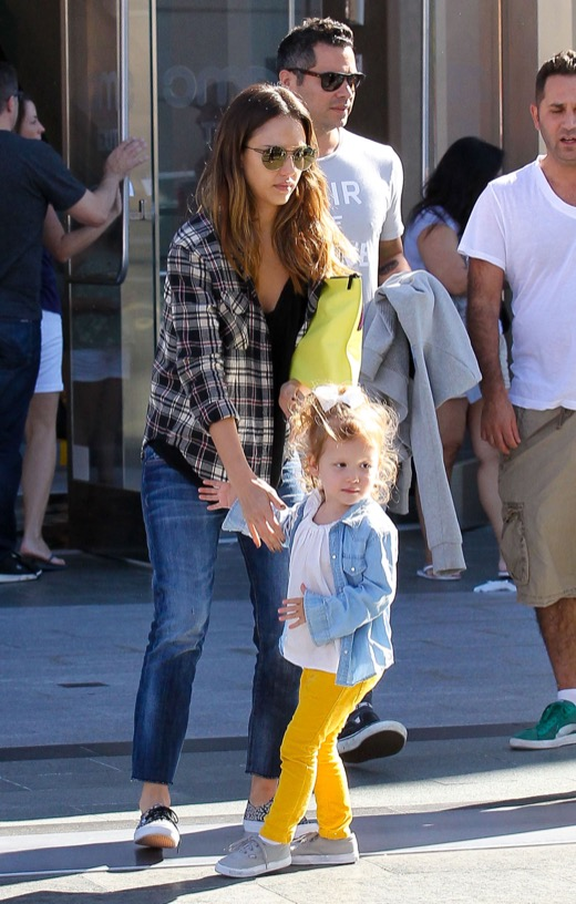 Jessica Alba & Family Watch Big Hero 6