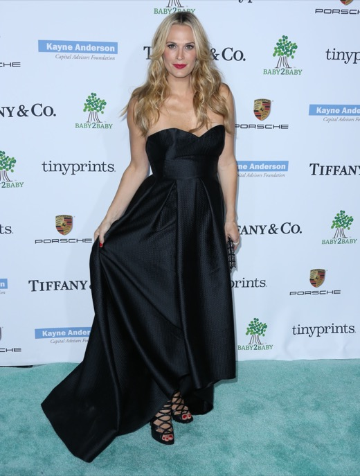 Pregnant Molly Sims Stuns in Black at Baby2Baby Gala