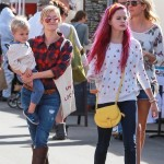 Reese Witherspoon & Family Spend Sunday at the Farmer's Market
