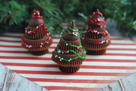 Reese's Peanut Butter Cups Trees - Fun For Kids! | Celeb Baby Laundry