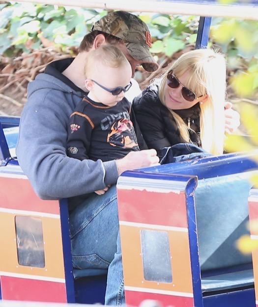 Exclusive... Anna Faris & Chris Pratt Take Son Jack To The Train Museum