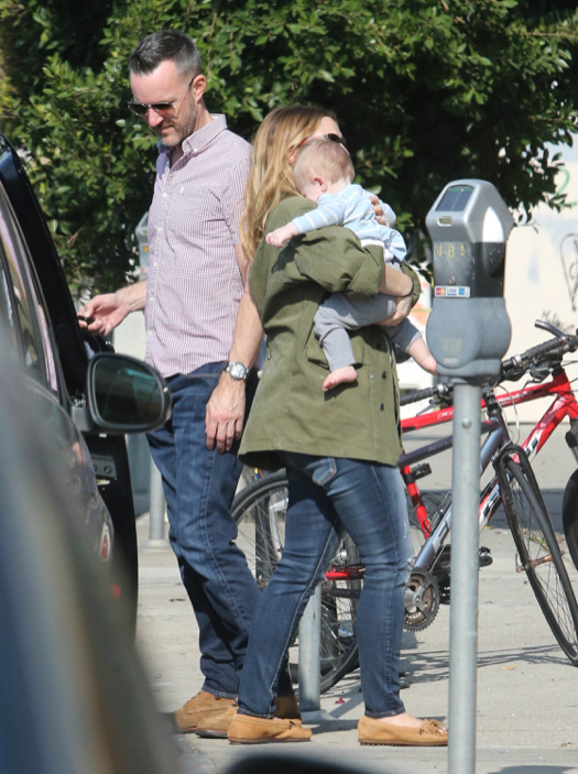 Drew Barrymore Spends the Day With Frankie