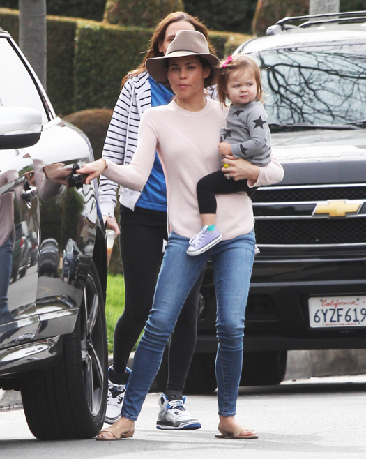 Jenna Dewan-Tatum Takes Everly To a Baby Class