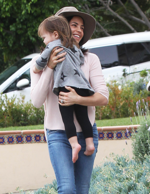 Jenna Dewan & Everly Leaving A Baby Class