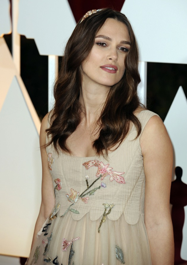 Pregnant Keira Knightley Stuns At The 87th Annual Academy Awards