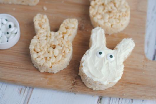 Rice-Krispie-Treat-Easter-Bunnies2