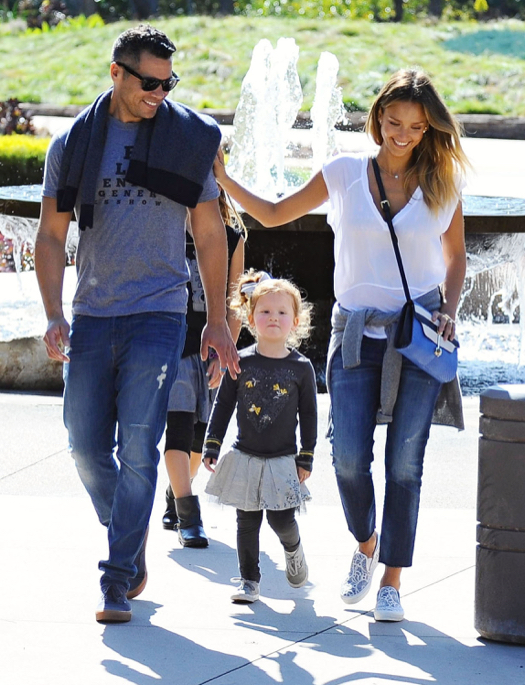 jessica alba amp family at coldwater park celeb baby laundry