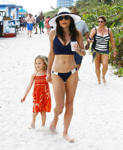 Bethenny Frankel Enjoys Miami Beach With Her Daughter