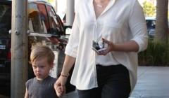 Hilary Duff Take Luca Shopping For Toys
