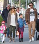 Semi-Exclusive... Jessica Alba & Family Go To Brunch