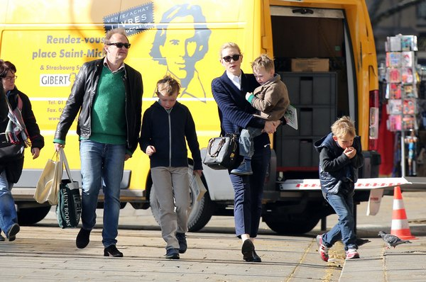Cate Blanchett & Family Go Sight Seeing In Paris