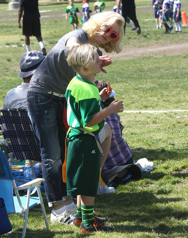 Gwen Stefani Takes Her Sons To Their Football Game