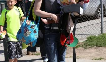 Gwen Stefani's Super Soccer Mom Style (PHOTOS)