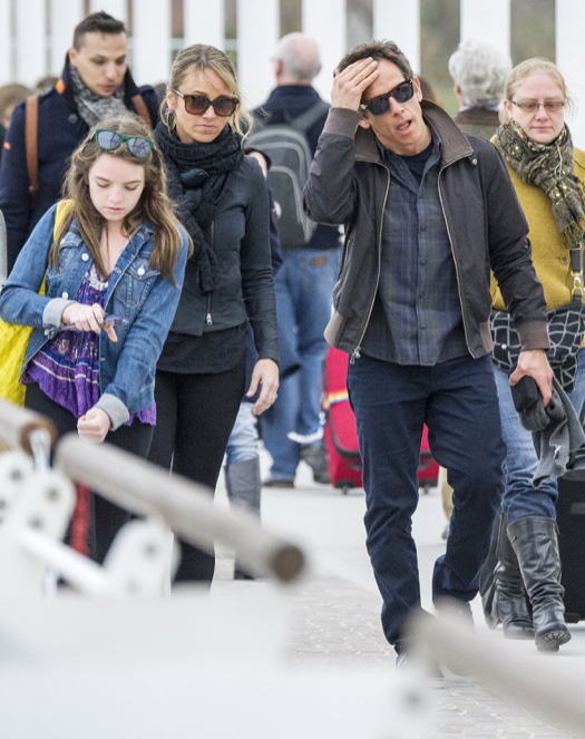 Exclusive... Ben Stiller & Family Arriving In Venice ...