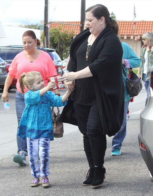 Melissa McCarthy Takes her Girls to a Birthday Party