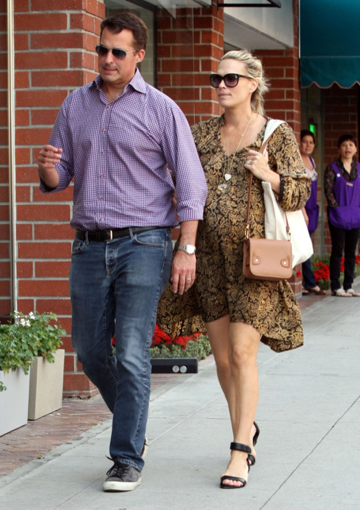 Molly Sims Visits Hair Salon as Due Date Approaches
