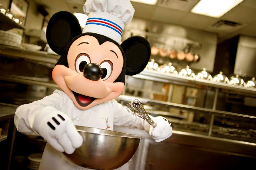 Free Dining at Walt Disney World Resort is back!