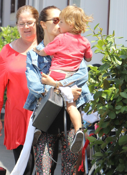 Alessandra Ambrosio Out For Lunch In Brentwood