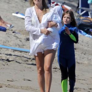 Ali Larter & Family Enjoy A Day On The Beach