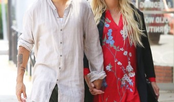 Pregnant Ashlee Simpson Looks Maternity Chic in Red Dress