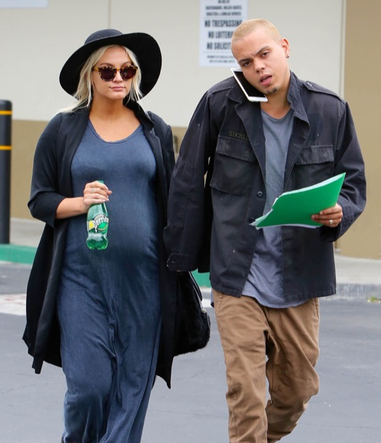 Exclusive... Pregnant Ashlee Simpson & Evan Ross Stop By The DMV