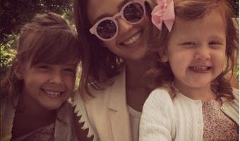 Jessica Alba Shares Mother's Day Photo with her Girls