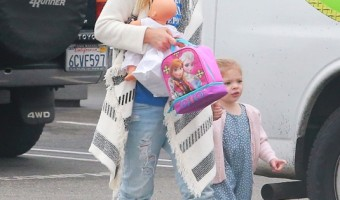 Exclusive... Drew Barrymore Hits Up The Farmers Market