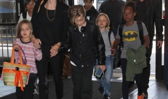 Brad Pitt & Angelina Jolie Departing Los Angeles With Their Kids