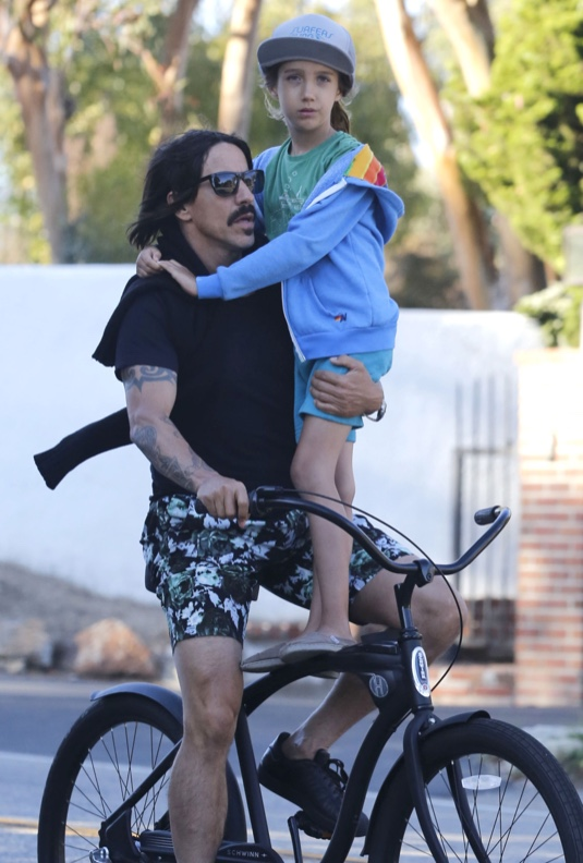 Exclusive... Anthony Kiedis & Everly Ride Their Bike To A Store
