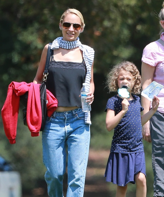 Nicole Richie Takes Her Kids To The Kidspace Children's Museum