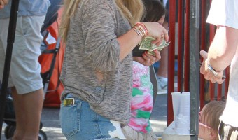Hilary & Haylie Duff Takes Their Kids to the Farmers Market