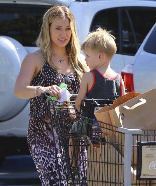 Hilary Duff & Son Luca Out Grocery Shopping