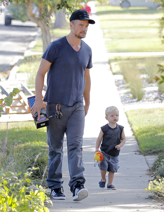 Exclusive... Josh Duhamel Takes Axl To A Party