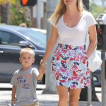 Reese Witherspoon Shops With Tennessee