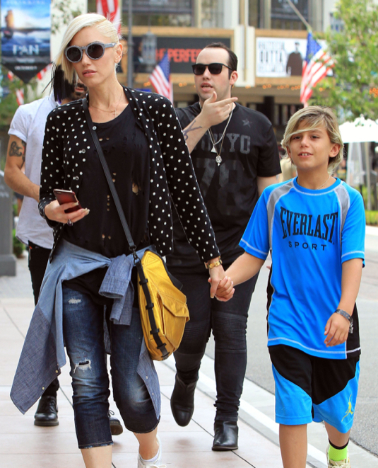 Gwen Stefani Out Shopping With Kingston In Los Angeles