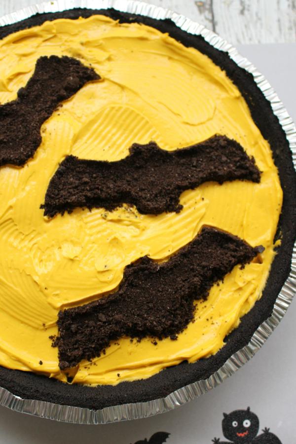 Halloween Bat Oreo Cheesecake