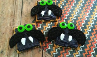 Graham Cracker Bats For Halloween