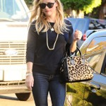 Reese Witherspoon & Ava Go Shopping