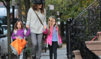 Sarah Jessica Parker Out In NYC With Her Daughters