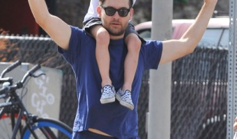 Tobey Maguire Enjoys a Saturday Lunch Date With Family