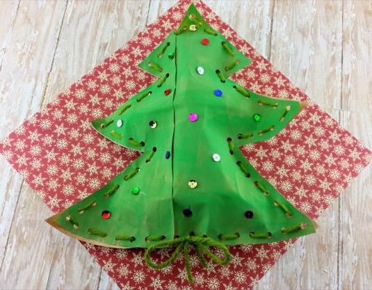 Christmas Craft: Stuffed Christmas Tree