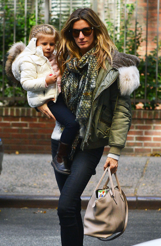 Gisele Bundchen & Daughter Vivian Out And About In NYC