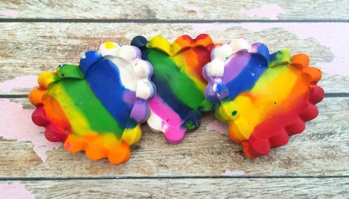 Don't Waste Crayons Anymore! – DIY Heart Crayons