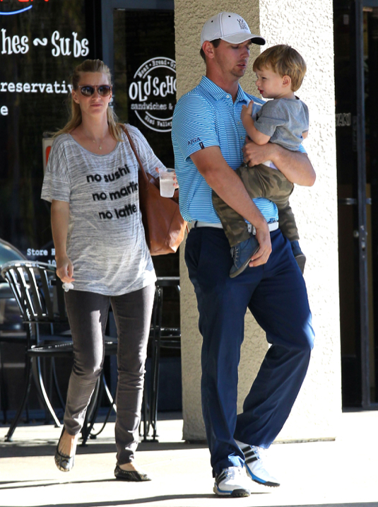 Exclusive... Pregnant Heather Morris & Family Spotted Out For Lunch