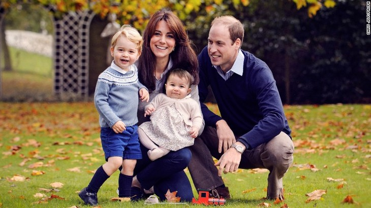 Kate Middleton and Prince William Share Sweet Family Photo of Prince George and Princess Charlotte