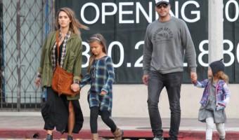 Jessica Alba's Rainy Shopping Day With Family