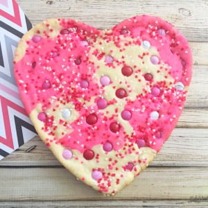Giant Heart Cookie For Valentine's Day